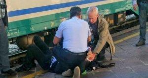 controllore-treno-picchiato